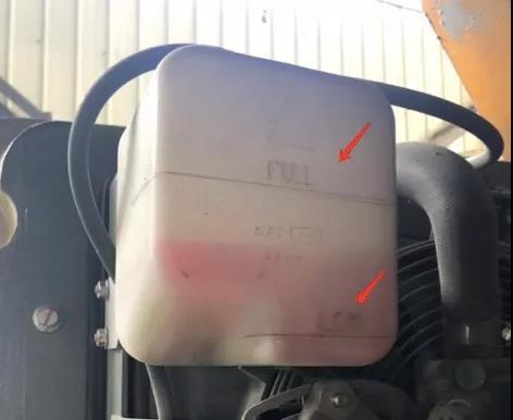 柴油机的冷却液的检查与补充